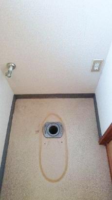 トイレを撤去しました。