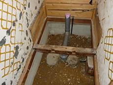トイレ、壁、床を撤去しました。
