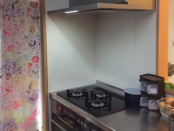 キッチンとともにレンジフードも新しくなり、お悩みだったお掃除もラクにできるようになりました。