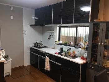 収納力抜群で高級感があるキッチンになりました。