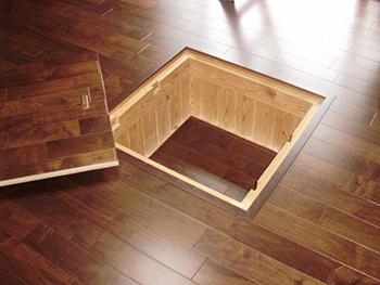 掘りゴタツの床暖房を設置しました。冬場が楽しみですね。