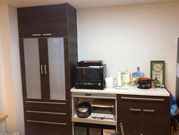 カップボードもキッチンと同じ色で素敵です。収納も増え、すっきりしました。