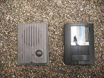 故障がちだったインターホンもカメラ付きの物に取り替えました。