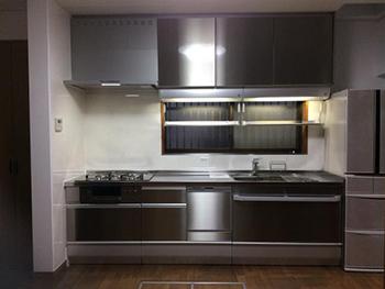 ガラッと変わったキッチンと室内です。とてもきれいに仕上がりました。