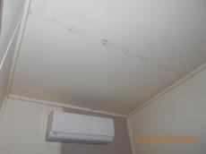 天井の塗装が剥がれ、塗装が落ちてくることにお悩みでした。