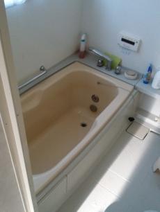 施工前のお風呂です。
