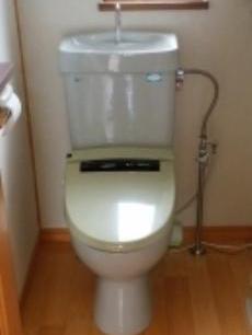 2階のトイレも取り替えます。