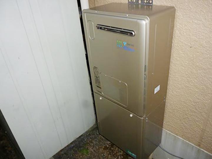 暖房給湯器です。給湯・追い焚き・暖房が1台でできる優れものです!