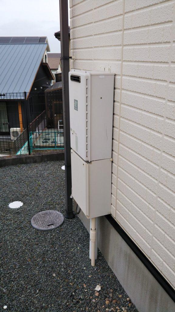 20年お使いになられていた給湯器を今回取替えさせていただきます。