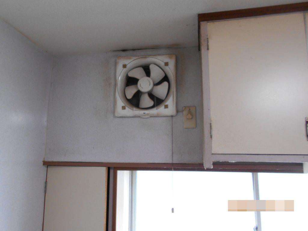 換気扇がプロペラタイプでお掃除が大変とお悩みでした。