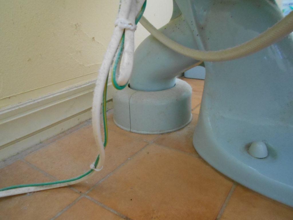 排水パイプの隙間のお掃除が大変でした。