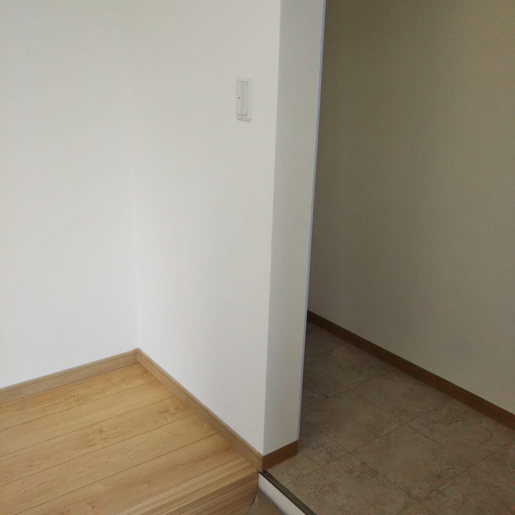 玄関にはベビーカーをそのまま置けるスペースを完備。