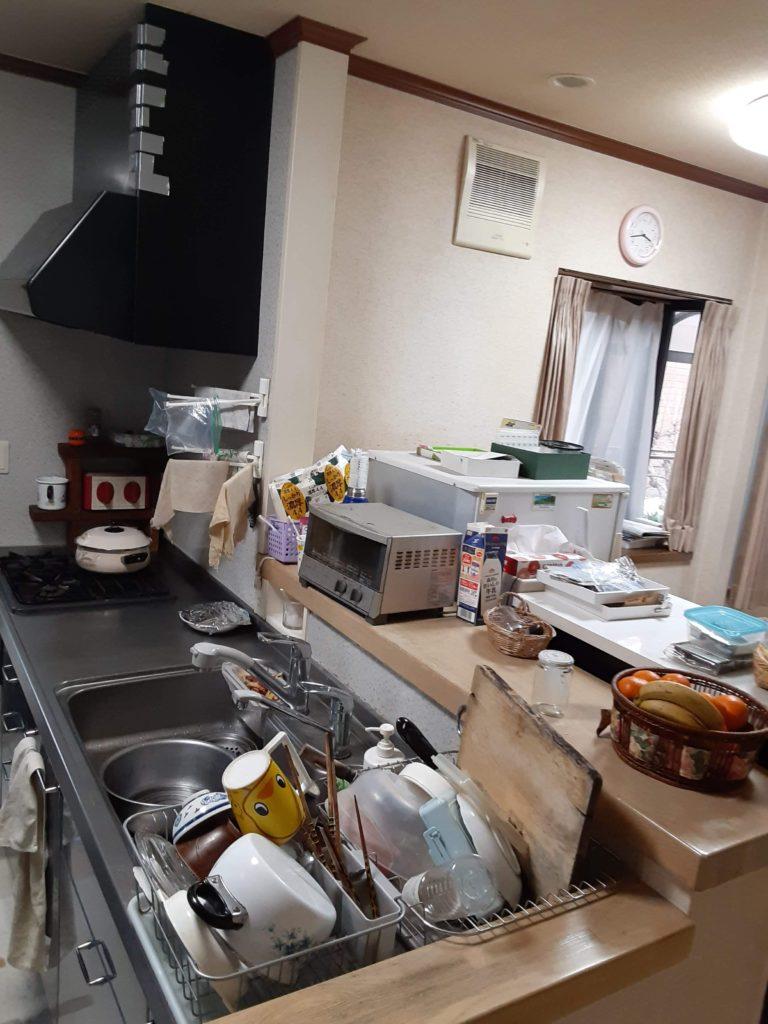 たくさんの食器などが収納できずにいました。
