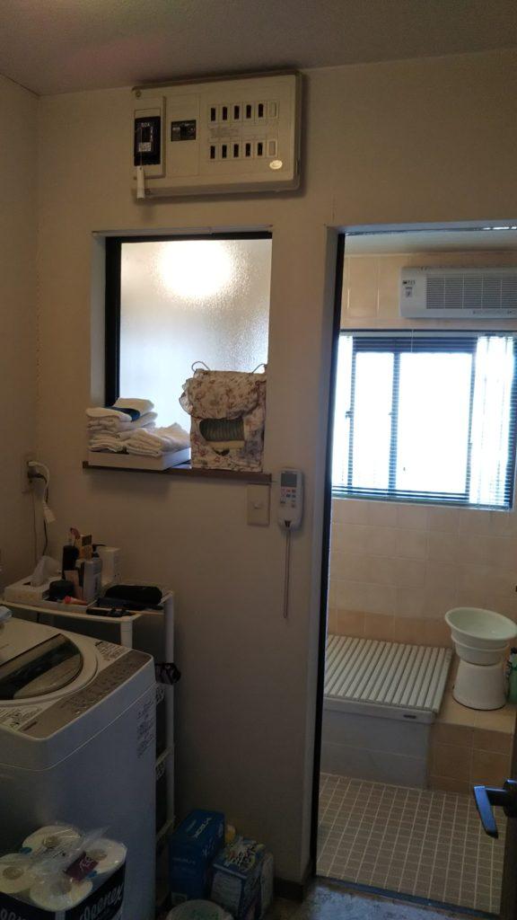 解体前の浴室です。