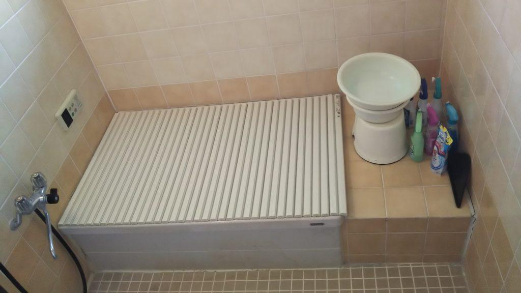 深さがある浴槽のため、出入りが大変でした。