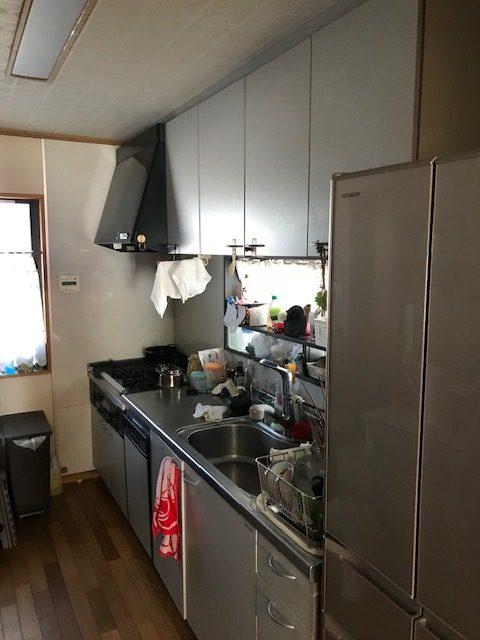長年お使いになられたキッチンともお別れです。